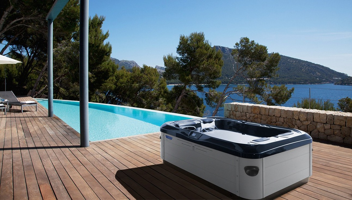 the interplay between shape and color bold outdoor. Black Bedroom Furniture Sets. Home Design Ideas